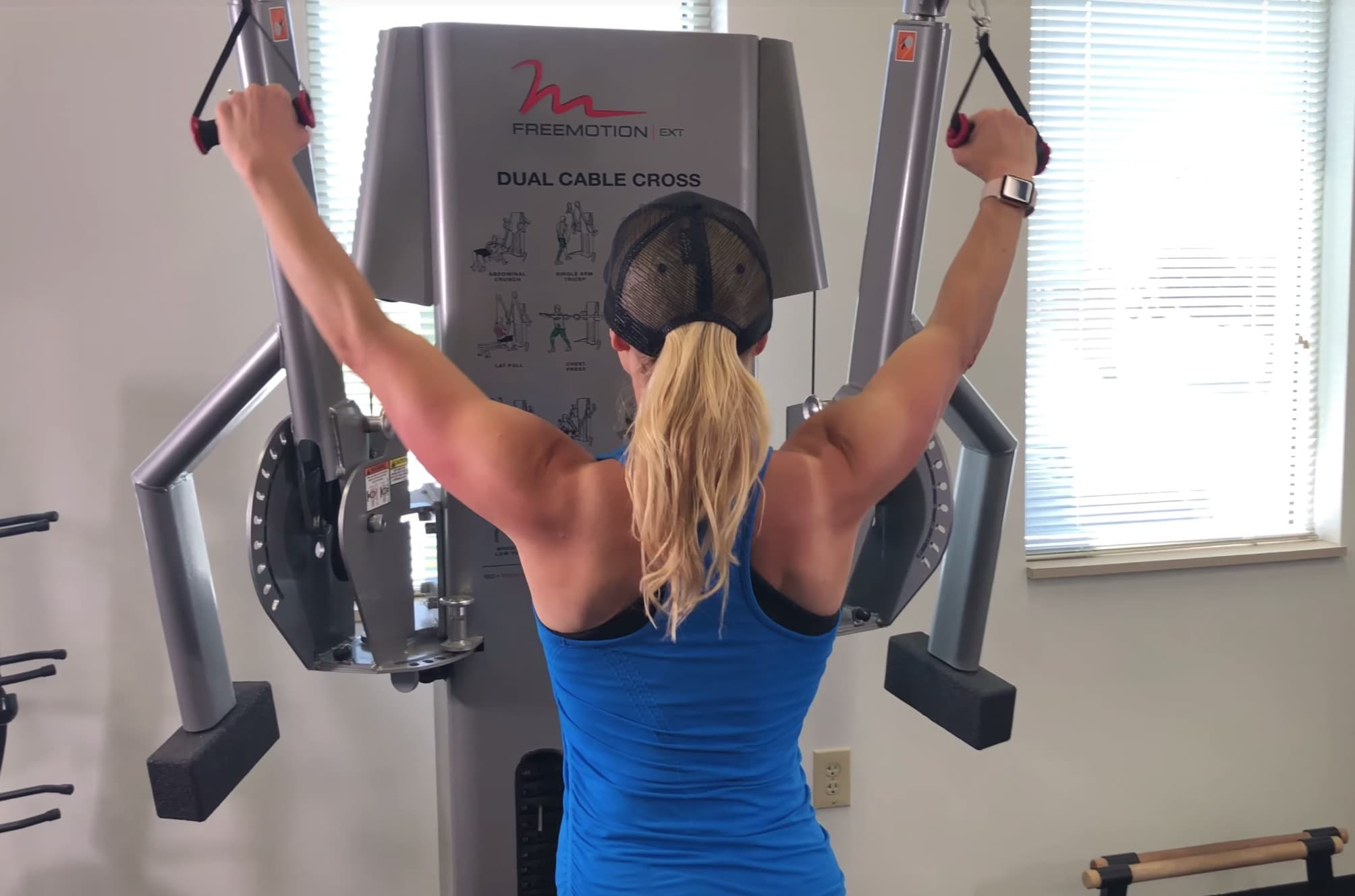 lat pulldown with bands