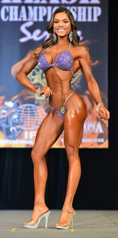 Bikini Front Pose Elisa Pecini